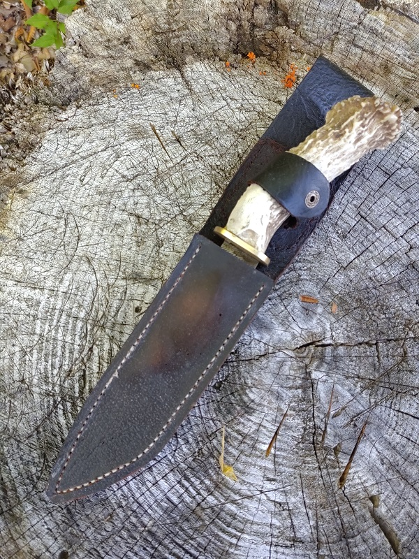 Knife 33 - Hidden Tang Antler Handled Hunter